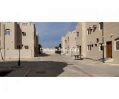 LIC 2347 Semi Furnished 4 BHK Compound Villa for Bachelors